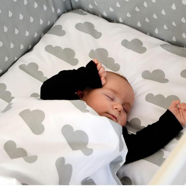posteljnina-oblački-kapljice-600×600
